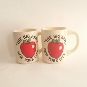 Set of 2 Vintage NYC Coffee Mugs Big Apple Cups